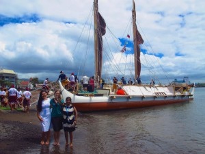 PIRCA Project Specialist Zena Grecni (center) at the arrival of the Hōkūleʻa at the United Nations Small Island Developing States (SIDS) Conference in Apia, Samoa (August 2014)